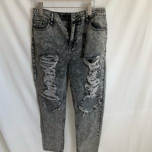 Forever21  jeans ripped boyfriend style